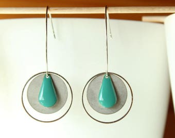 Elegant Silver Earring and drop sequin blue green