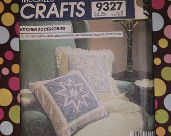 Vintage McCall's 9327 Star Kitchen Accessories Apron, Potholders & More