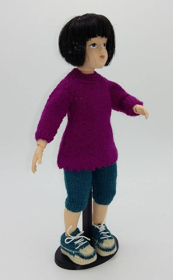 Ball jointed Zisa with black bobbed haircut