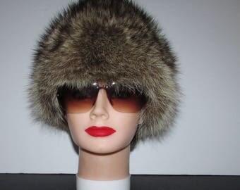 """Superbe chapeau de  véritable fourrure de  chat sauvage naturel/Superbe natural  real raccoon  fur hat 21""""1/2"""