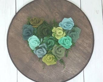 Succulent heart, Valentine's day gift, succulent wall art, felt succulents on a wood round, succulent art, valentine gift