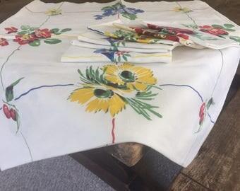 Wilendur's Rosemead Vintage Tablecloth and Napkins