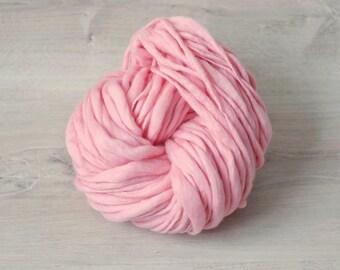 Art yarn Handspun Merino Wool novelty yarn light pink Merino Wool slub thick and thin pink