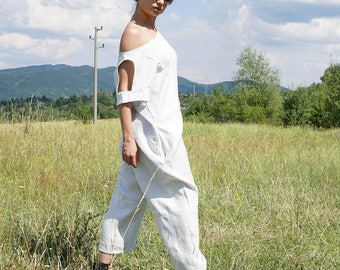Linen Baggy Drop Crotch Overall, Summer White Harem Jumpsuit, Lagenlook Linen Romper, Loose fit Baggy Overall, Extravagant Halter Jumpsuit