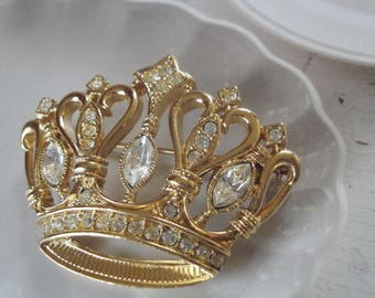 Vintage Crown Brooch    Kenneth Jay Lane KJL For Avon Crown Brooch