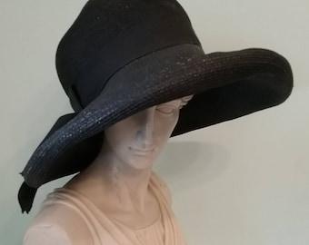 1940s 40s cloche hat with asymmetrical brim