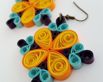 Paper quilling earrings, summer colors