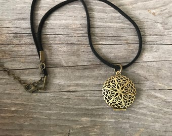Vegan suede aromatherapy locket necklace / essential oil jewelry / aromatherapy necklace / diffuser necklace / essential oil necklace