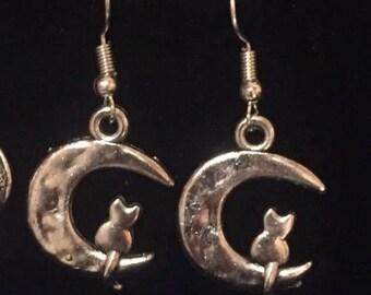 Cat moon earrings