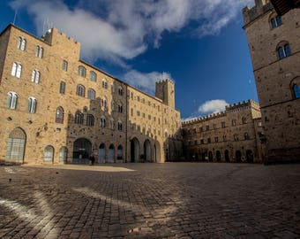 The Volterra's square - Medieval view - Tuscany - Italy - Photo - Photography - Art - Artistic - Shadow - Panorama - Landscape