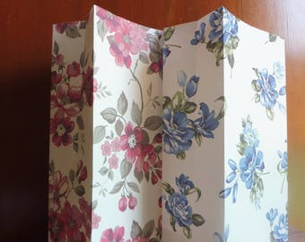 Kraft paper bags/gift bags 10 pezzi/pieces set with floral decorations in 2 colors listed here