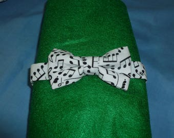 Musical Notes Toddler Bow Tie -3 inch bow with snap band closure, white bowtie, school concert bowtie, ring bearer