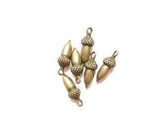 10 charms 3D Acorn the Bronze Antique 25mm x 9mm