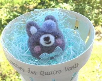 Kawaii bunny brooch, needle felted pin, handmade, gift idea, girly ornament, cute rabbit, needle felting, animal, french beret, miniature