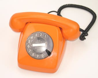 Vintage 70s telephone with dial