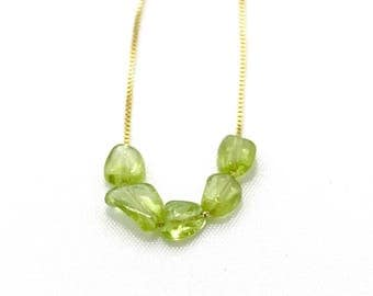 Handmade raw peridot necklace. Green necklace. Raw crystal necklace. Handmade necklave. Raw gemstone peridot. 925 silver necklace chain