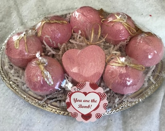 Strawberry-Pink Bath Bomb Gift Set