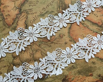 Vintage Off-White Solubility Embroidery Lace Trim 1.41 Inches Wide 1 Yards/ Craft Supplies, WL899