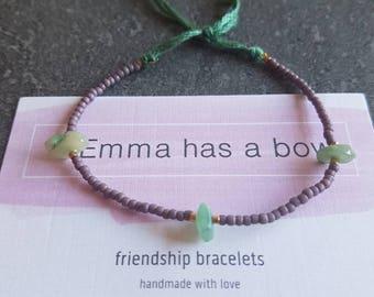 Filigree stretched friendship bracelet in mauve with semi-precious stone splinters