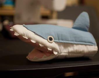 Nichijou Shark puppet / oven mitt