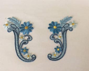 Applique blue iron has a pair of 11 * 5 cm