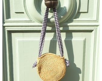 Round bag with raffia and its handle gingham
