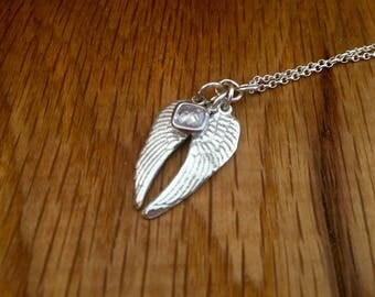 Pretty silver angel wings with swarovski crystal pendant, angel wings pendant, pretty angel wing necklace, angel wings pendant, handmade