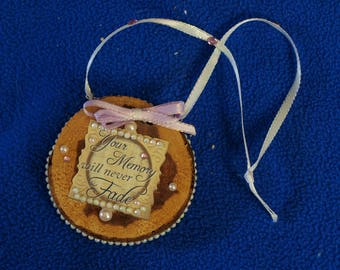 Cedar Wood Country Christmas Ornament