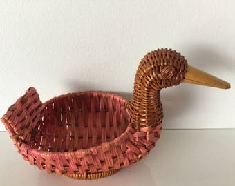 Vintage small wicker cute duck basket, jewelry holder 80's, 1980's