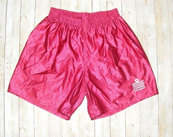 Size XS vintage 80s Admiral baggy football/sports shorts shiny dark red (HR31)