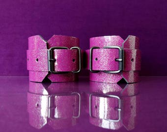 Purple Glitter Leather Cuffs - Patent Leather Handcuffs - PinkPonyClubnl - Bdsm Adult Fetish Kinky DDLG ABDL Ageplay Ab/Dl little