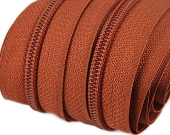 6m of endless zipper 5mm with 15 zippers and tails 285 Red-Brown