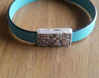 Flower and Turquoise Bracelet