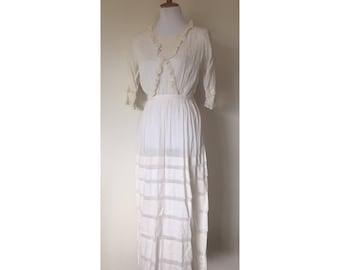 1900's Antique Edwardian White Cotton Lawn Lace Tea dress / Size Small