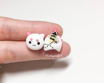 Cute cat earrings and bee