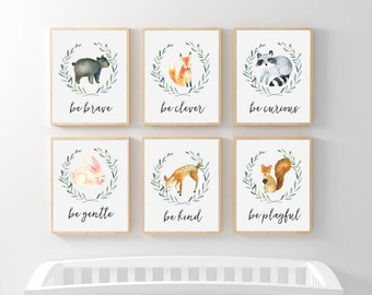 Woodland Nursery Art Print Set, Green Wreath, Wood Animals Nursery Prints, Owl fox raccoon bunny bear deer squirrel. Be Kind Brave be Clever