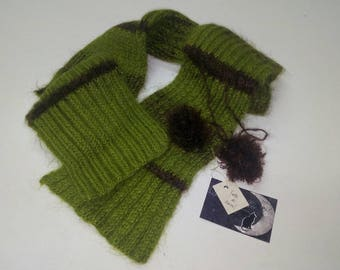 Green and brown cashmere scarf