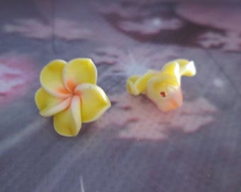 2 polymer clay flower beads yellow, Orange and white 15mm