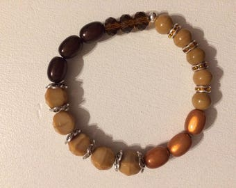 Bracelet beige and Brown faceted beads