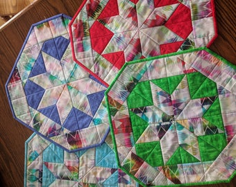 Quilted table topper, Table topper, Quilted gift, Handmade, Colorful Table Decor, Star quilt, Quilted table runner, 20-inch hexagon shaped