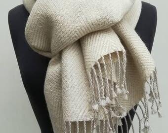 Big scarf stolen