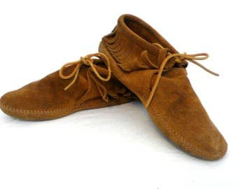 Minnetonka Ankle Booties---Leather Moccasins---Size 9---Fringe