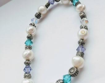Beaded bracelet on stretchy cord