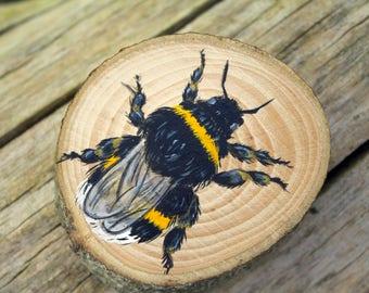 Bee original painting, bumble bee art, wood slice painting, painting on wood, bee on wood, wildlife painting, miniature painting, animal art