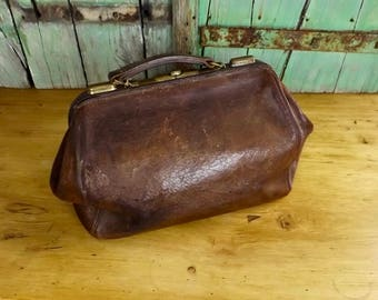 Vintage French Leather Gladstone / Doctors Bag