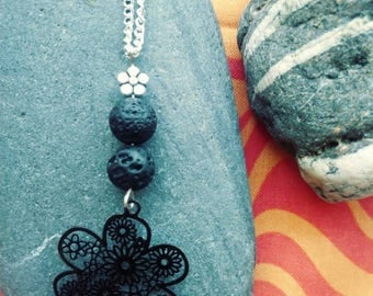 Flowers in the dark- Essential oils necklace diffuser