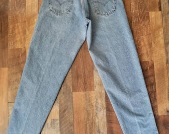 Vintage Levi's 560 High Waisted Loose Fit Tapered Leg Mom Jeans// Women's size 30 10 12 Large L