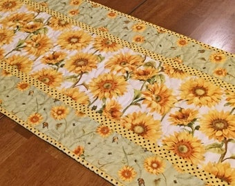 Quilted Sunflower Table Runner, Yellow Table Runner, Quilted Table Runner, Sunflower Decor, Sunflowers, Table Runner Quilt