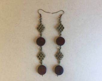 drop earring,dangle earring,long earring,wooden earring,bronze earring,pierced earring,brown earring,earring,earrings