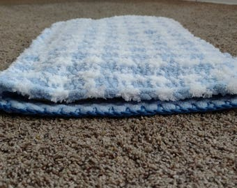 Toddler Pillowcase - Fluffy Yarn Pillowcase in Houndstooth